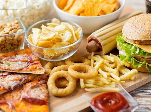 تمام غذایی که درست کرده اید را بر روی میز قرار ندهید