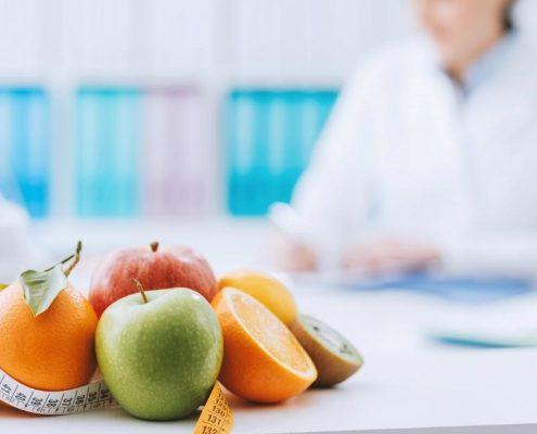 آیا برای اطلاع از رژیم تغذیه در مینی بای پس، لازم است به پزشک تغذیه مراجعه کنیم؟