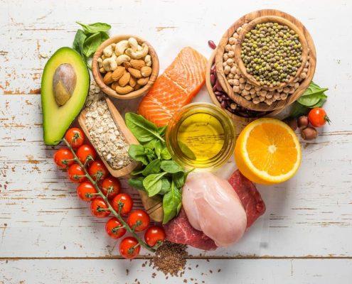 در هفته های سوم تا هفتم پس از جراحی، مصرف چه مواد غذایی مجاز است و در هنگام مصرف این مواد رعایت چه نکاتی الزامی است؟
