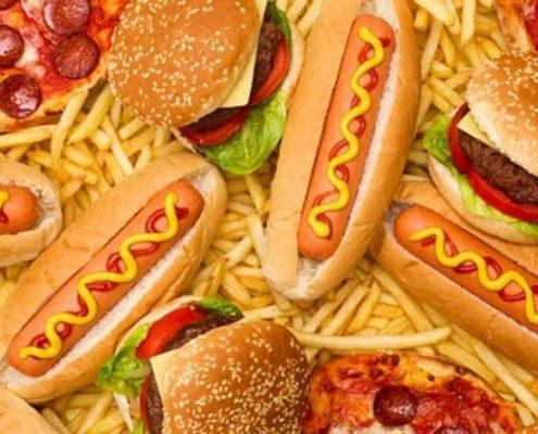 آیا می دانید تغذیه نا مناسب چگونه باعث چاقی و اضافه وزن می شود؟