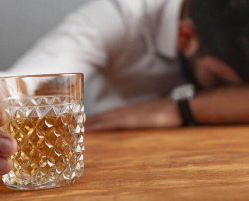 چرا نباید بعد از عمل اسلیو معده مشروبات الکلی مصرف کرد؟