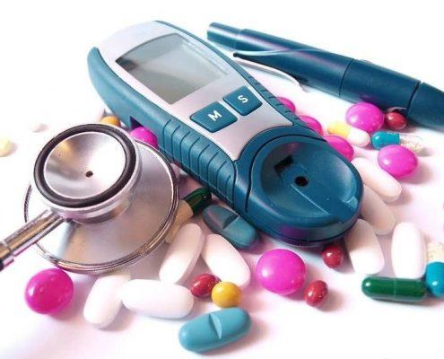 - دیابت ملیتوس چه عوارضی را برای فرد مبتلا به همراه دارد ؟