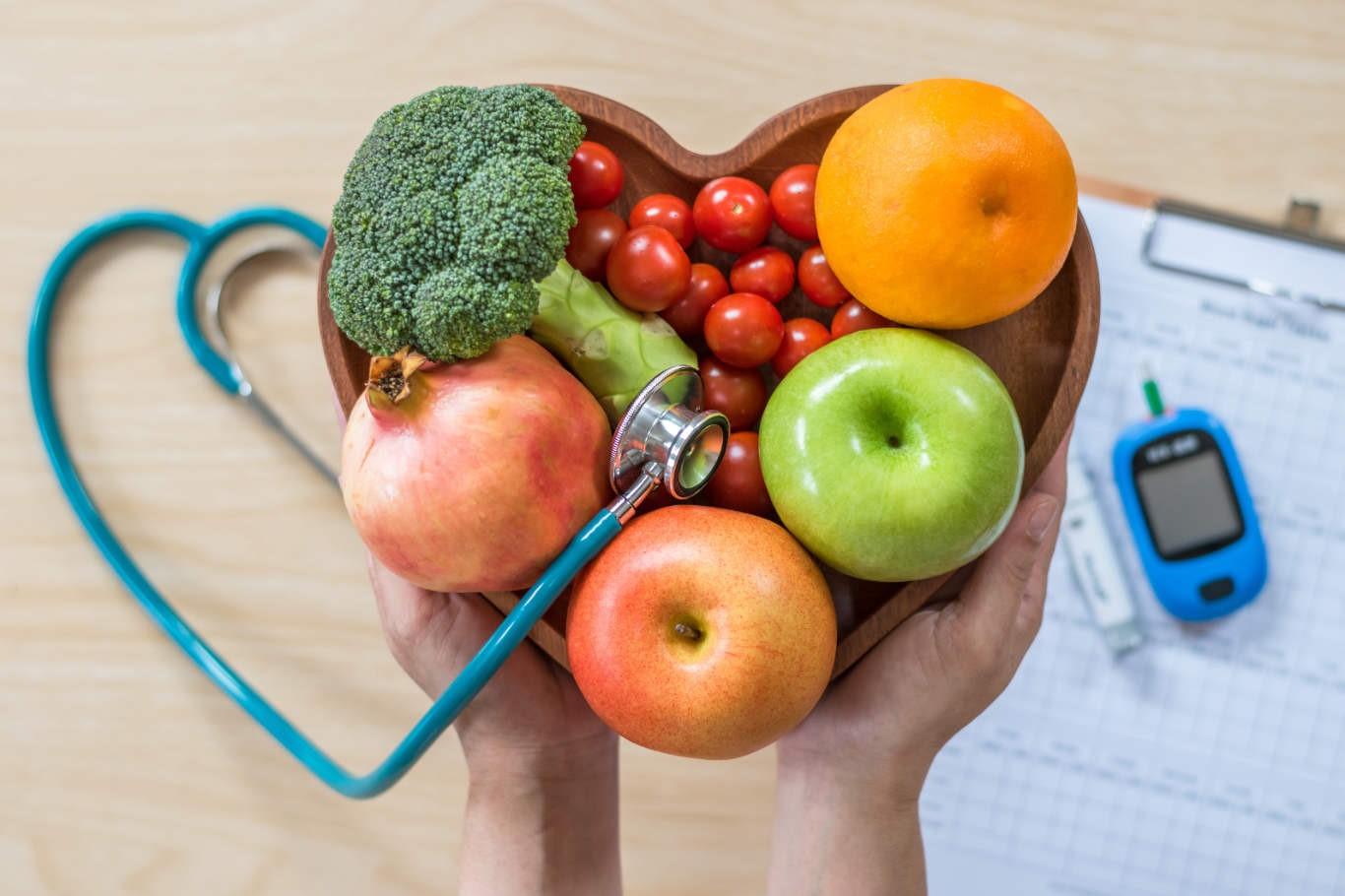 آیا افراد دیابتی نیاز به مصرف مواد غذایی بیشتری دارند؟