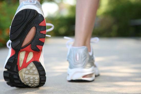 انجام دادن ورزش و ادامه یافتن فعالیت های فیزیکی مناسب