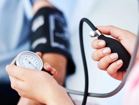 چگونه می شود، از ابتلا به فشار خون بالا جلوگیری کنیم؟