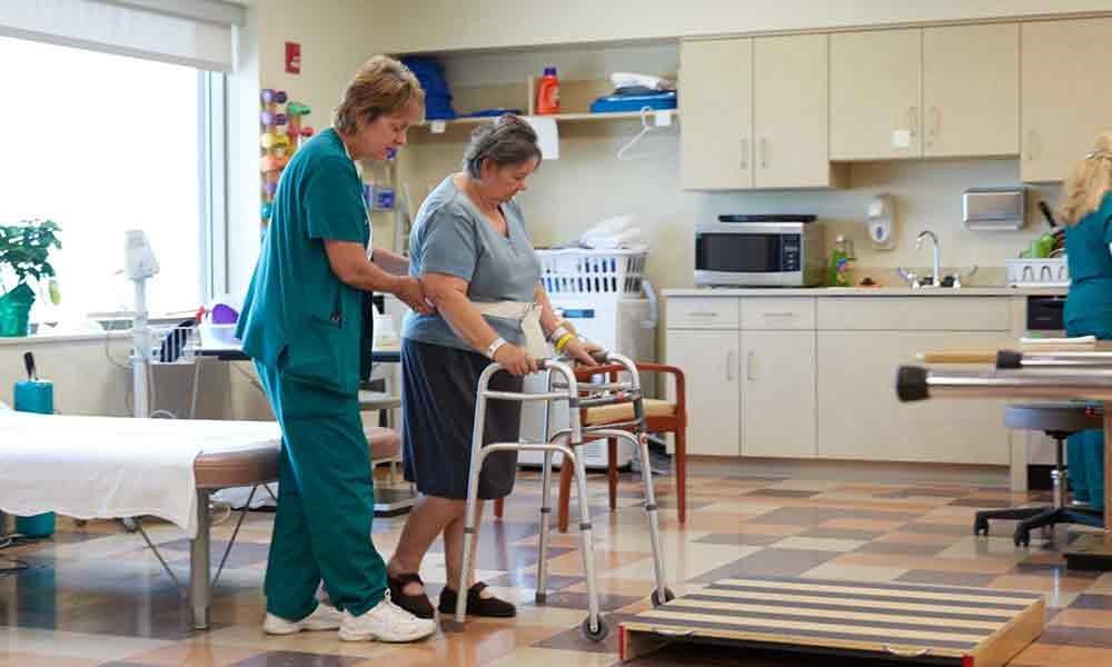 اقدام به کار درمانی به منظور بهبود وضعیت یک بیمار مبتلا به روماتیسم دیابت: