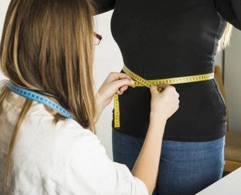 پزشکان عمل اسلیو تنگ را برای افرادی که بسیار چاق هستند انجام می دهند