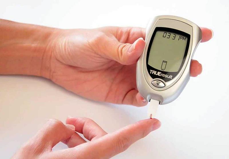 انجام تست قند خون می تواند بیماری را تشخیص داده و میزان پیشروی آن را مشخص نماید