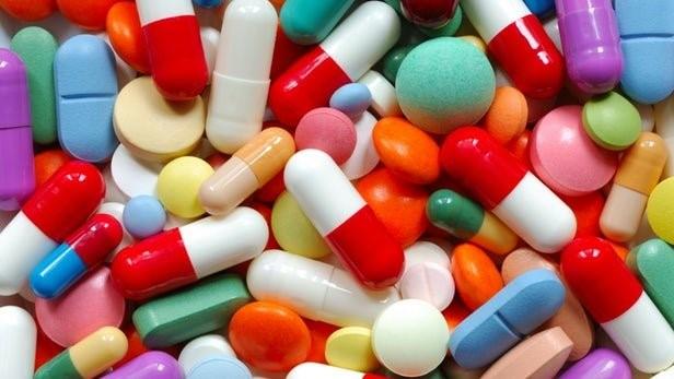 آیا در زمینه ی مهم ترین موارد تداخل دارویی با قرص کمفورمین اطلاعاتی دارید؟