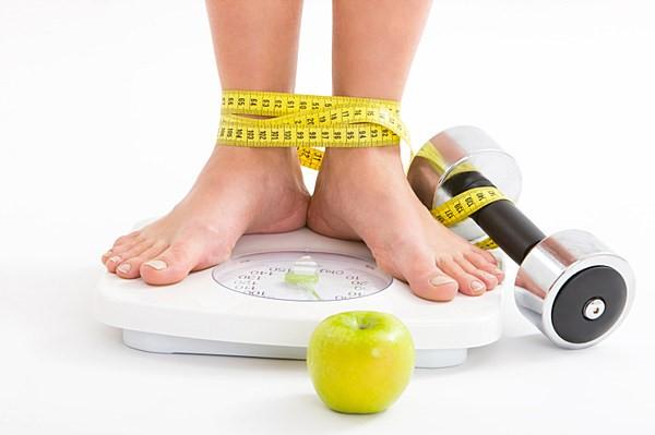 چرا افراد به چاقی مبتلا می شوند؟