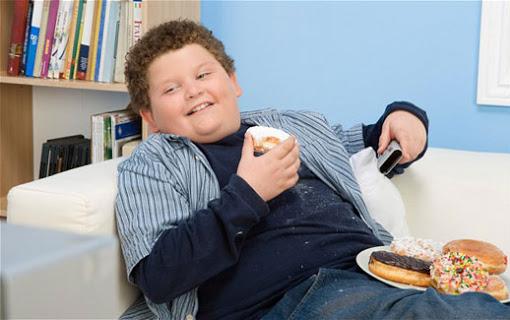 کمبود ویتامین D، علت چاقی شکم در کودکان است