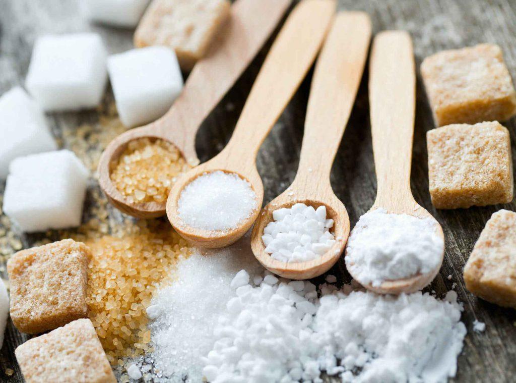 شیرین کنندههای جانشینی به چه صورت عملکرد دارند و چه تأثیری بر روی میزان قند خون میگذارند؟