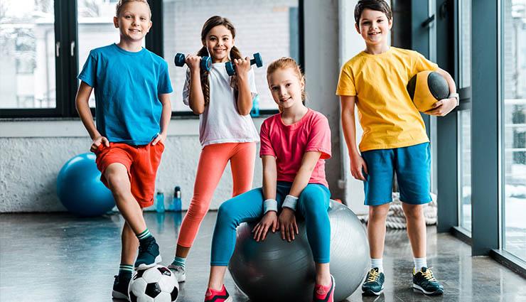 حال به عنوان نمونه از بهترین ورزشهایی که میتوان آنها را در خانه انجام داد، به موارد زیر اشاره کنیم.