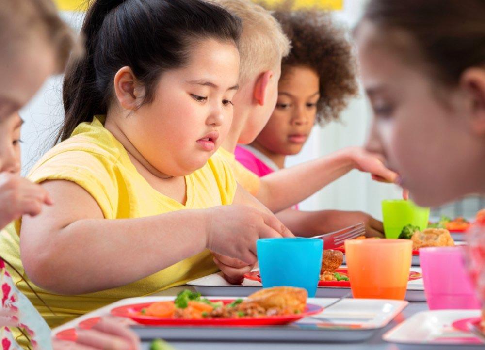 تغییر عادات و رفتار، علت چاقی شکم در کودکان است