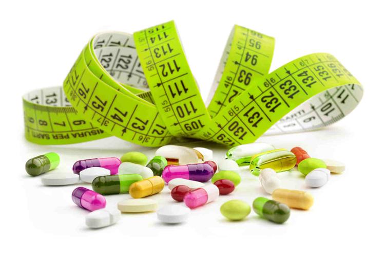 برخی از داروها عامل مؤثری برای چاقی ثانویه و اضافه وزن بودهاند که میتوان از مهمترین آنها موارد زیر را نام برد: