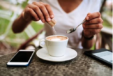 میزان اندکی کالری بعد از استفاده شیرین کننده مصنوعی آسپارتام در بدن افراد شکل میگیرد