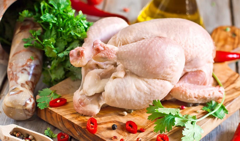 گوشت مصرفی شما در این دوران بهتر است گوشت ماهی، مرغ و بره باشد
