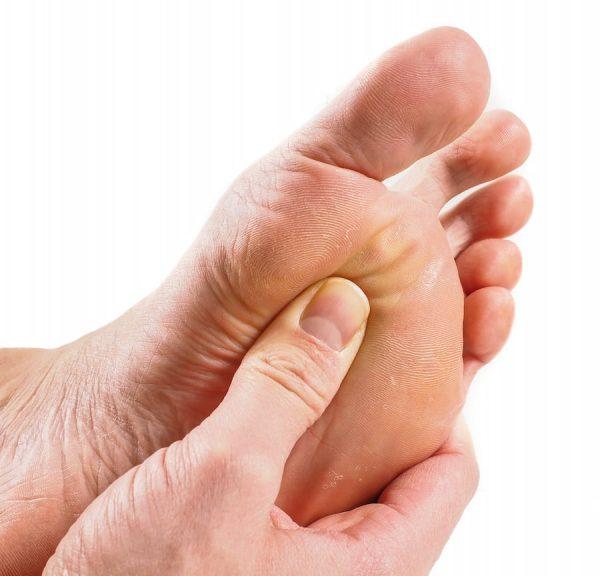 در مرحله بعد باید علائم و نشانه های زخم شامل عفونت را بررسی کنید